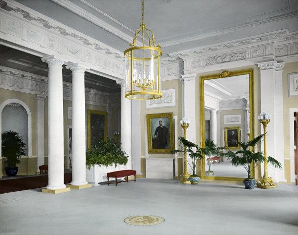 Name:  entrance-hall-old.jpg Views: 1317 Size:  79.5 KB