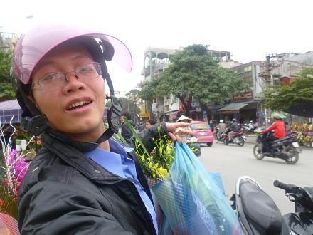 Name:  P1020046 - mua hoa 8-3-2012.JPG Views: 302 Size:  46.2 KB