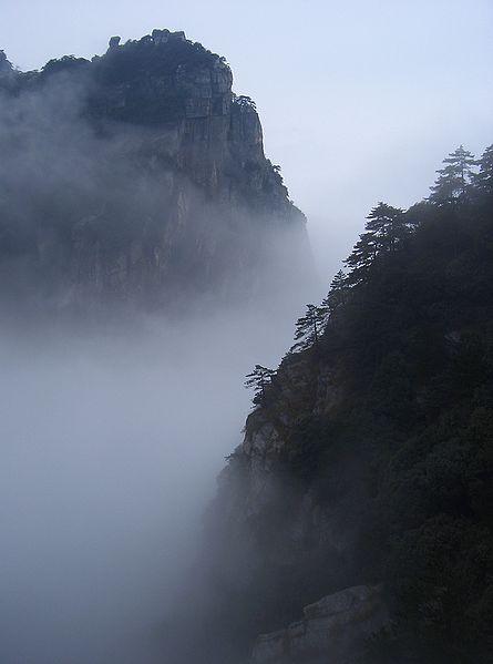 Name:  445px-Mount_Lushan_-_fog.jpg Views: 1135 Size:  21.0 KB