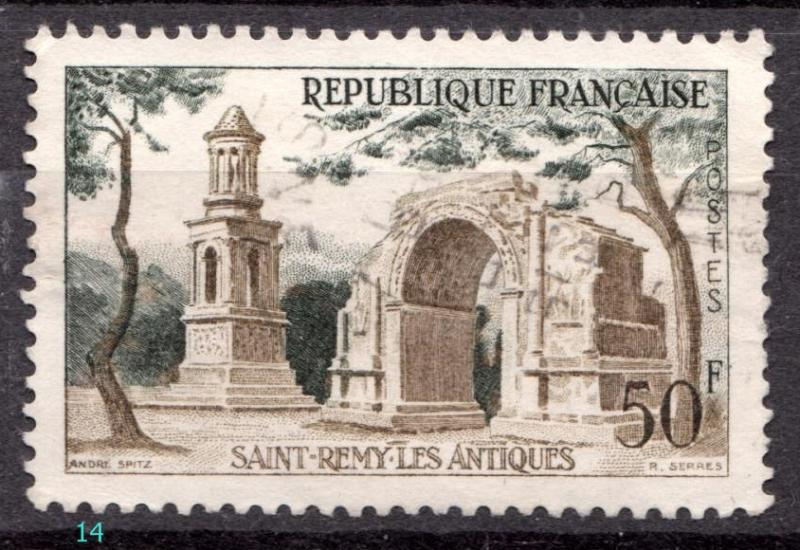 Name:  Saint Remy Les Antiques.jpg Views: 461 Size:  85.9 KB