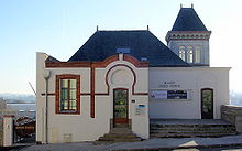 Name:  220px-Musée_Jules_Verne.jpg Views: 313 Size:  8.0 KB